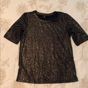 Cute black and gold short sleeved blouse